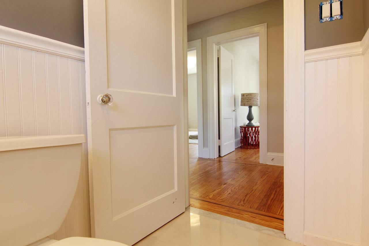 walsh-hardwood-flooring-bathroom-renovation-1280x583-1