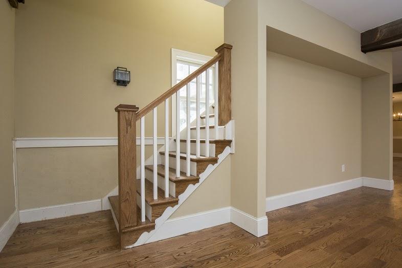 walsh-hardwood-flooring-downstairs-entrance-way-786x524-1