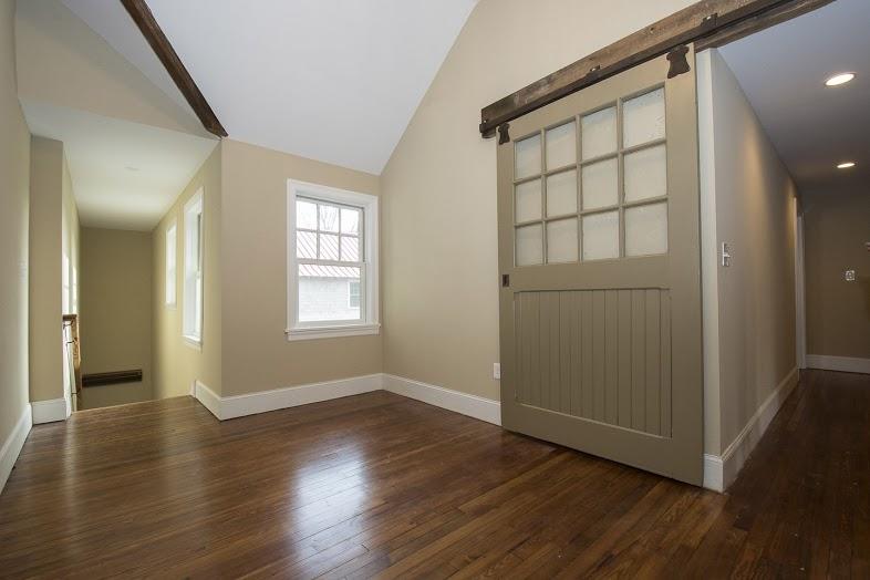 walsh-hardwood-flooring-upstairs-hallway-786x524-1